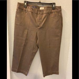 St. John's Bay Brown cropped pants size 14
